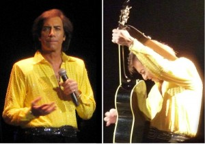 Rob Garrett as Neil Diamond